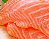 Красную рыбу не рекомендуется включать в рацион!